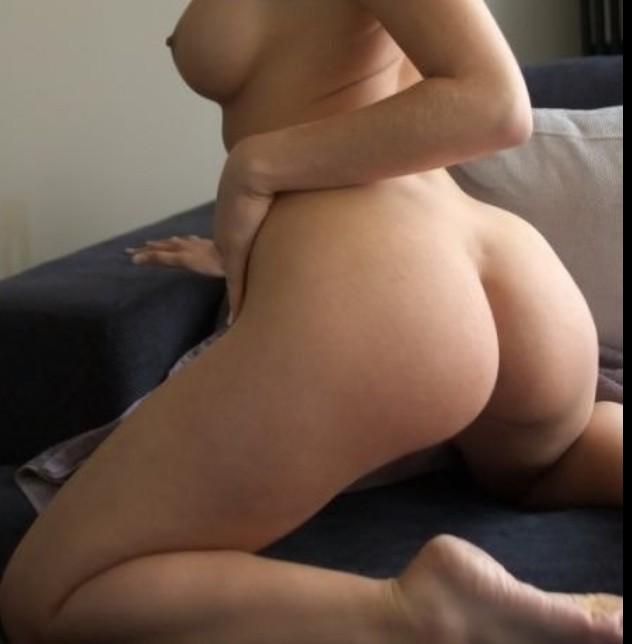 Hot Asian MILF sex. Selen korisnici stalla vruće Redhead MILF sex selen korisnici stalla.