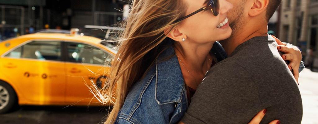 U zagrljaju s taksistom